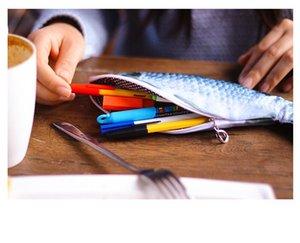2018 New Color Fisch-Form-Bleistift-Kasten Kawaii Korea-Tuch-Bleistifte Taschen Schulbedarf Stationery Hot Pen Box Geschenk