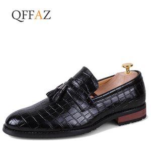 QFFAZ Männer Müßiggänger aus echtem Leder Schuhe Outdoor-Mode Fahrschuhe italienische Quaste Müßiggänger Mokassins Männer Wohnungen