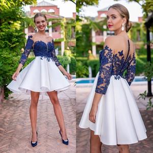 Yeni Kraliyet Mavi Kokteyl Elbiseleri Sheer Boyun Aplikler Dantel Uzun Kollu Ruffles Mini Kısa Homecoming Mezuniyet Elbise Örgün Elbise Özel