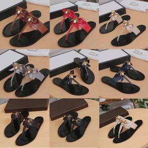 Luxus Designer Flip-Flops Slipper Frauen aus echtem Leder Metall Kette Damen Sandalen Schuhe Biene Slipper Slides Metall Komfort flache Casual Schuhe