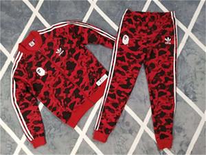 Nouveau Designer Hommes Survêtements de haute qualité Tête de Singe Camouflage Deux Marques Imprimer Costumes Mode Sport Veste + Pantalon COURIR CE98204
