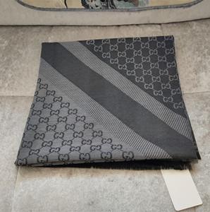 2019 Luxus Schal Wolle Seide Pashmina für Frauen Brand Design Warm Schals Art und Weise Frauen Imitate Quadrat-Schal-Verpackung 140x140cm ohne Kasten ET11A