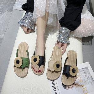 Terlik kadın Xia Chaohuo vahşi düz dipli aşınma moda çiçek plaj sandalet 2020 yeni Kore versiyonu