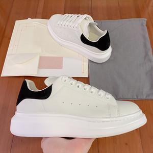 Top Platform Shoes Mode Blanc Femmes Hommes Chaussures en cuir lacées Sole Sneakers Blanc Noir Outdoor Chaussures Casual Sneakers