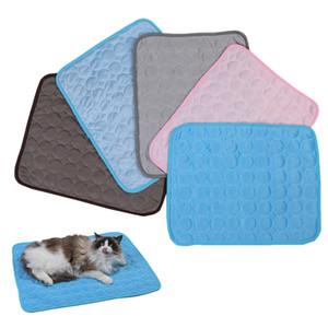 Летний Pet Ice Pad 5 цветов 6 Размер Pet Cat Dog Ice Шелковый Pad Cat Прохладный Pad Cat Матрас зоотоваров XD23551