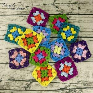Fai da te Crochet Doilies Multicolor Coasters Tavolo quadrato Mats decorazioni a mano all'uncinetto Cup Pad 9 centimetri di lana vestiti Patch 50pcs sacco T200524 /