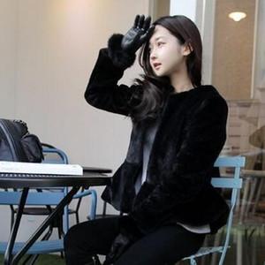 Faída femenina de las mujeres invierno 2021 abrigo abrigo artificial falda delgada femme jacke casual ocasional peludo borroso abrigo AR110