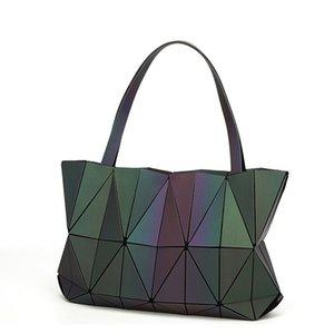 2018 New Women Handbag Geometry Totes Sequins Mirror Saser Plain Folding Shoulder Bags Luminous Bag Bao Hologram Bolsa J190627