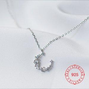 Avanguardia all'ingrosso High Grade S925 Sterling Silver Hollow a mezzaluna della collana di cristallo della CZ piccola luna collana Acquista Jewlery dalla Cina