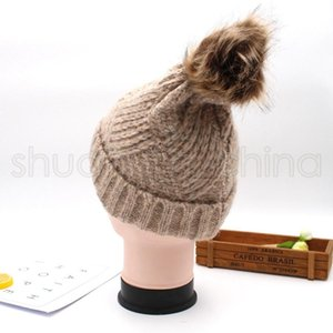 Kadın Örgü Yumuşak Pompon Şapka Lady Katı Renk Beanie Cap Açık Nedensel Kış Sıcak Kayak Cap Cadılar Bayramı Partisi Şapka TTA1783-14