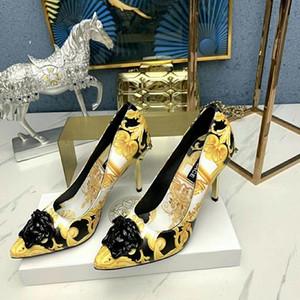 2020 signore di modo classici nuovo arrivo sandali comodi banchetti sandali di cuoio delle donne di tendenza diamante tacchi a spillo di moda punta 667