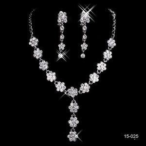 Nouveau style de mariée Bijoux de Charme en alliage chromé strass Perles cristal ensemble de bijoux pour le mariage mariée demoiselle d'honneur Livraison gratuite en 15025