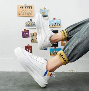 con i calzini liberi di moda di lusso nero uomini bianchi scarpe casual sport del progettista della scarpa da tennis all'aperto traspirante da jogging scarpe da corsa formato 36-44
