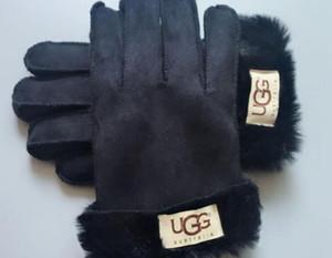 2020 Guanti delle donne di disegno per l'inverno e l'autunno Cashmere Guanti Guanti con bella sfera della pelliccia all'aperto Sport invernali caldi guanti G3815