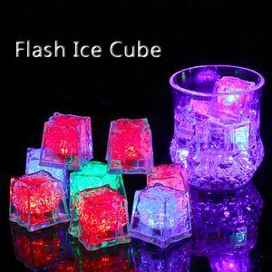 Kunststoff Led-Leuchten Polychrome Flash-Party-Lichter LED glühende Eiswürfel blinkende Dekoration Light Up Bar Club Hochzeit DBC VT0986