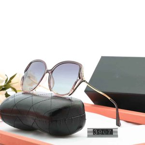 3907 High quality Polarized lens pilot Fashion Sunglasses For Men and Women Brand designer Vintage Sport Sun glasses With case and box