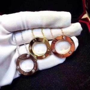 I più venduti Designer di gioielli LOVE Anello Collana placcata in oro 18 carati Collana a vite con riempimento in oro rosa Regalo di lusso da donna Amante Ciondolo 3 colori
