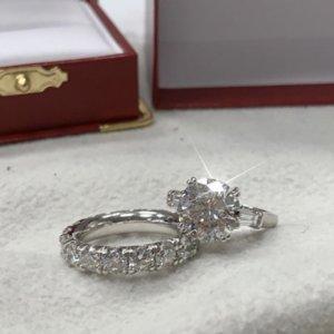Вечное серебро 925 Создано Муассанят Кольца для женщин Engagement СВАДЬБЫ 4ct раунда топаза кольцо Gemstone изящных ювелирных изделий
