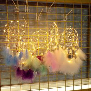 Traumfänger Wind Chimes 6 Farben LED-Feder-Wand hängende Verzierung Traumfänger Schlafzimmer Weihnachtsdekoration OOA7450