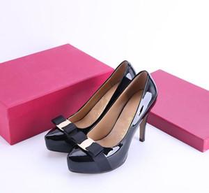 {Original Box} Классический Женщины Марка Red Bottom Высокие каблуки лакированной кожи Заостренный Toe платье обуви Люкс Мелкий рот красной подошвой Свадебная обувь c25
