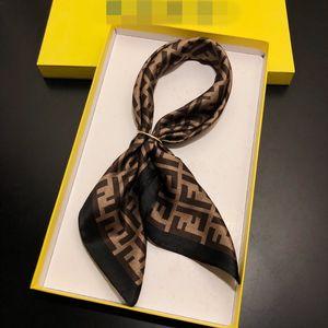 2019 Frauen Schal -Seidegefühls Haar-Tücher Quadrat Marke Büro Printing Hotels Kellner Flight Attendants