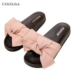 COOLSA Yaz Kadın Terlik Bow Kumaş Tasarımcı Düz Kaymaz Sevimli Slaytlar Ana Flop Casual Sandal Kadın dokunun Plaj Ayakkabı T191018 çevirin