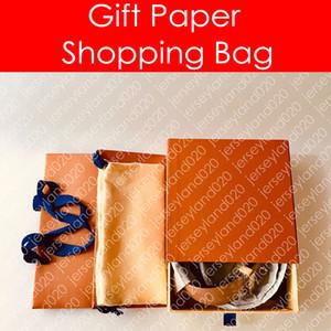M9608W مصمم أزياء المرأة الرجال بدايات 40 ملليمتر 30 ملليمتر عكسها حزام ورقة هدية حقيبة تسوق حقيبة الغبار مربع مشبك قماش جلد حزام
