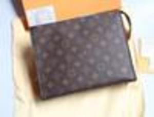DROP SHIP 2020 arrival Fashion women punk backpack school Genuine Leather Waterproof Cosmetic Bags For Women M4512