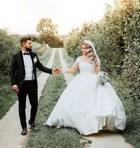 Plus Size A Line Country Abiti da sposa maniche lunghe in pizzo Applique Applique Raso Sweep Train Abiti da sposa da sposa