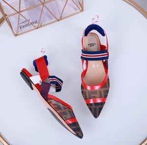 22222 Femmes DesignerLuxury Sandales Chaussures Mode glissière d'été Chaussures de plage Chaussures noires Slipper Flip Flop Box 2021607Q