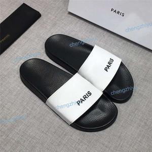 2021 Moda Hombres Mujeres Sandalias Sandalias Zapatos Diapositivas de Lujo Moda Ancho Piso Plano Slides Slippery Slipper Flip Flop Flower Box Tamaño 36-46
