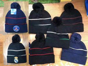 2020 Herbst Winter Fußball-Fans Caps Hut-Geschenk für Real Madrid Paris Manchester Ajax Cap Sporttraining Fußball Beanies Headwears