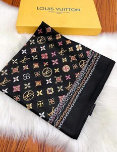 Les créateurs 2019 haut de gamme doublent foulards en soie à la mode printemps et en été de nouveaux foulards imprimés 180 * 65cm chaud