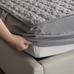 Solid Color Mattress Protector Pad Bed Mattress Cover Quilted Embossed Fitted Sheet Thick Soft Pad For Beds Linens With Elastic