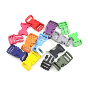 """100pcs 3/4"""" Farbe Kunststoff Gebogene Sicherheitsschnallen-Haken für Paracord Armband Rucksäcke Schuhe Taschen Cat Dog Collar Accessorie"""