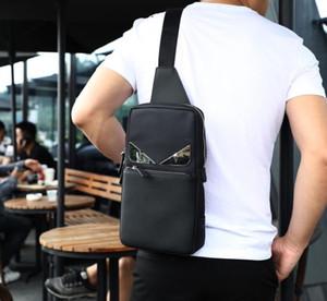 남자를위한 새로운 패션 Crossbody 가방 간단한 메신저 가슴 가방 팩 캐주얼 남성 가방 방수 나일론 단일 어깨 스트랩 6058 30x17x6 cm