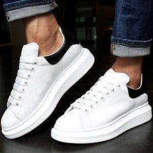 alexander mcQueen Mens Womens Moda Chaussures Kadife Lüks Siyah Beyaz Deri Platformu Düz Rahat Ayakkabılar Yeşil Pembe Lady Sneakers Tasarımcı Elbise Ayakkabı