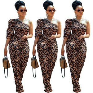 Leopardo digital Mujeres Buzos un hombro atractivo medias mangas rectas Rched mamelucos del Partido Nuevo llegado 2020 Pantalones largos