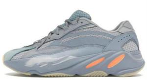 2019 Carbon Blue Designer Sports Sneakers 700 V2 Teal Blue Mauve Static Wave Runner Running Shoes Antlia Black Mens Women Trainers news