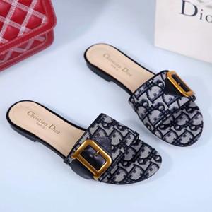 TTT des femmes des hommes DesignerLuxury Sandales Diapo Chaussures d'été Mode sandales de plage noir Chaussures Slipper flip flop au box eu de la T20021607T