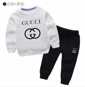 2019 neue klassische Luxuxentwerfer-Babyt-shirt Jacke keucht zweiteilige 2-9 Jahre olde Klage Kindart und weise der Kinder 2pcs Baumwollkleidung boifdr6