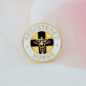 Registered Nurse Spilla Medical smalto bianco Pin fibbia Giacca Borsa Pin Badge per Nurse Medical Student gioielli regalo di laurea