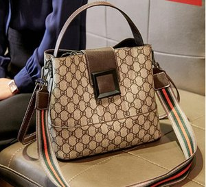 Fashion Bags TotesNew fashion bag designer handbag shoulder bag, luxury woman handbag bag, top quality, free delivery 2