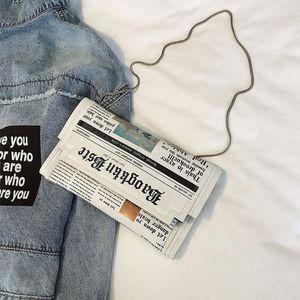 صحيفة المرأة الكتف حقيبة جلدية سيدة عارضة حمل الحقائب الفاصل مضحك الجانبية الصغيرة للسيدات أنثى الرافعة الصيف حقائب
