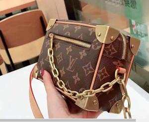 Sacchetti di spalla di lusso delle donne HandbagsClassic piccolo pane pelle catena Aslant portatile Joker colori Pure Water Ripple borsa delle donne delle ragazze 22312