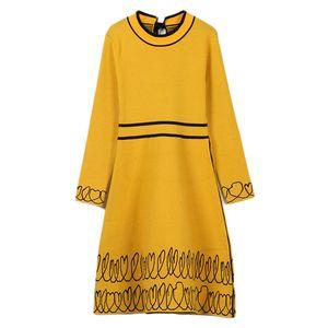 2019 primavera outono novo vestido das mulheres gola redonda bordado pequeno coração borda patchwork cintura alta magro fundo A-line saia