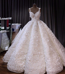Appliqued las flores del vestido de bola 3D Wedidng vestidos de época con lentejuelas de lujo del cordón Tamaño espaguetis Plus Arabia Saudí Dubai Dubai vestido de novia personalizado