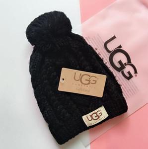 15cm Real Rakun Kürk Pompoms Sıcak Kız Caps ponpon bere Şapka G636 snapback ile YENİ Kış Örgü Gerçek Kürk Şapka Kadınlar Kalınlaşmak kasketleri