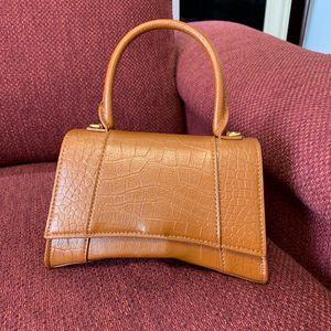 Classic Hourglass Shape Alligator Handbags Flap Chain Shoulder Bags Handbag Women Clutch Messenger Bag Purse Shopping Tote