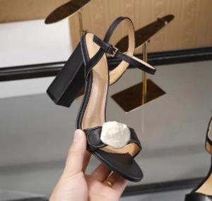 8 colori Sandali classici Lady Summer 2019 Sandali firmati Fibbia metallica vera pelle Donna sexy scarpe col tacco alto donna 10cm taglia massima 42
